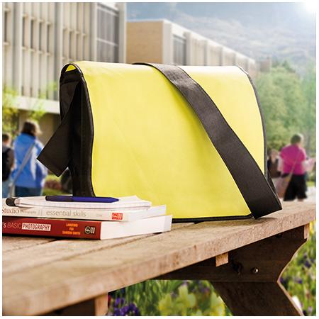 Non Woven postmanbag met schouderriem 120 gr/m2